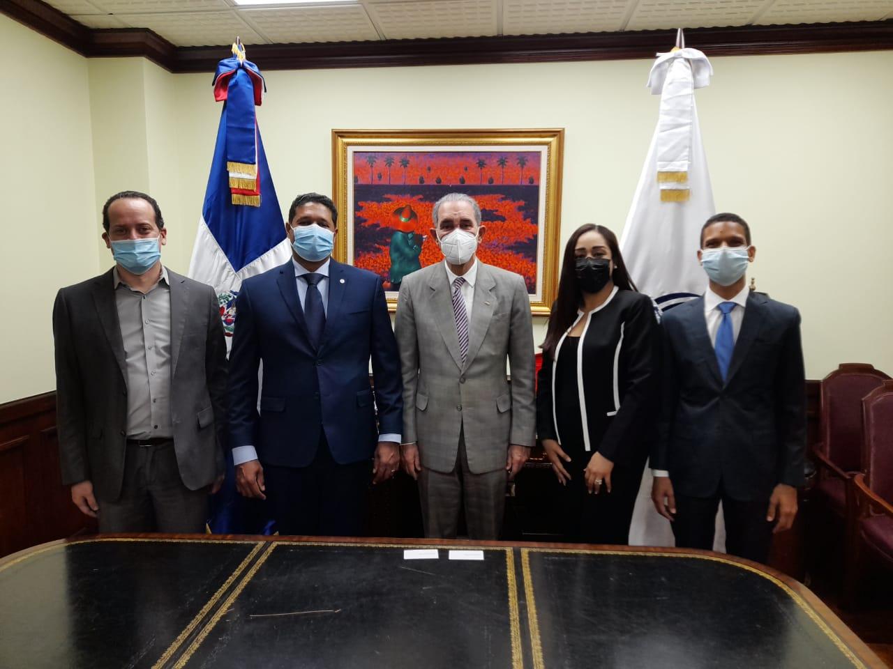 Acuerdo de Colaboración MOU con Ministerio de Educación Superior, Ciencia y Tecnología MESCYT e Internet Society República Dominicana ISOC-Do para mejorar las capacidades digitales del sector universitario de la República Dominicana